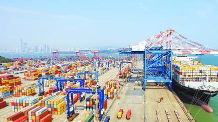 自贸区建设速度加快, 金融创新支持力度加强